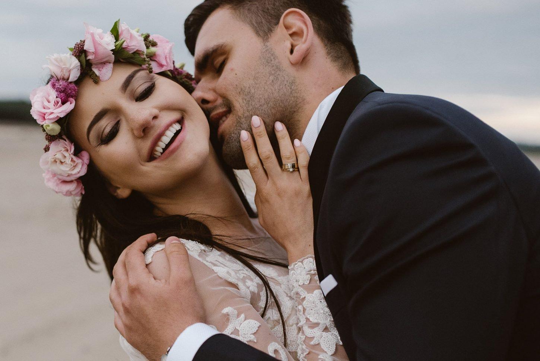 just married fotografia slubna, pałac w konarach